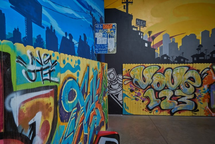 Cityscape by Lalo Cota and Pablo Luna. Fence by Brez, Mes, Fyce, Move, and Gerb. Such Styles and Champ. Photo: Sean Deckert